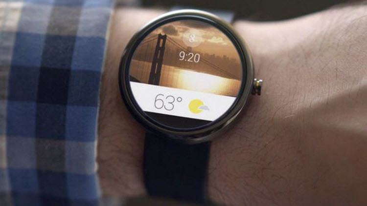 Redefined Display - Less Frustrating than Before - Motorola Moto 360 Smartwatch